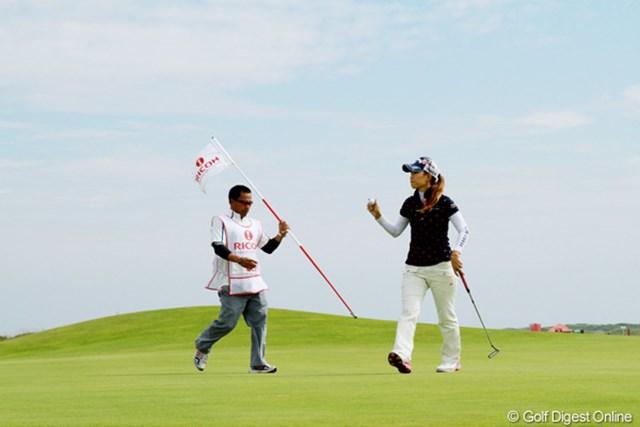 4バーディ、5ボギーと忙しいゴルフを演じた上田桃子。ゴルフの調子は上向いてきているようだ