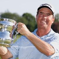 チャンピオンズツアー初タイトルをメジャーで飾ったO.ブラウン(Gregory Shamus/Getty Images) 2011年 全米シニアオープン選手権 最終日 オリン・ブラウン