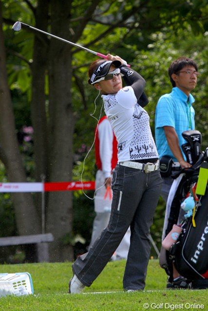 7時30分からハーフを回り、その後の練習に多くの時間を費やしていた有村智恵
