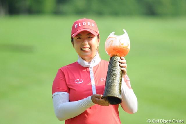 日本ツアー今季2試合目の出場で、早くも初タイトルを獲得した中国のフォン・シャンシャン