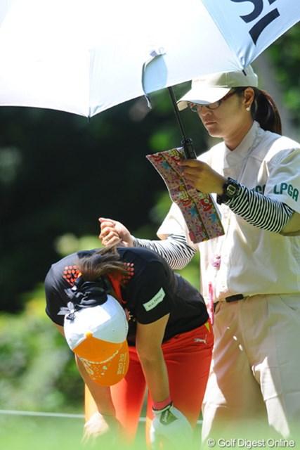 2011年 meijiカップ 最終日 古閑美保 「体調はまったく問題ない」とのことらしいけど、連日のこのシーンはちょっと気になりました。勝てばきっと完治すると思います!