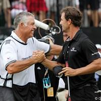 新しい相棒と勝利をもぎ取ったアダム・スコットとキャディのスティーブ・ウィリアムス 2011年 WGCブリヂストンインビテーショナル 最終日 アダム・スコット