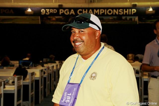 マイケル・コリンズ/40歳。XMサテライトラジオ、ESPN等のラウンドリポーター。PGAツアーでキャディを務めた経験もある。以前は20年間コメディアンとして働いていた異色の経歴を持つ。