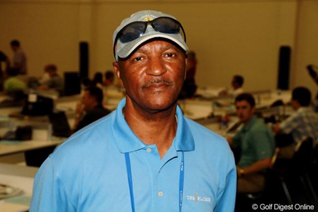 ピート・マクダーモット/59歳。スポーツライター歴37年。ゴルフは取材には現在までに18年間携わっている。過去にはタイガーの父アール・ウッズ氏と「TRAINING  A  TIGER」を共著。