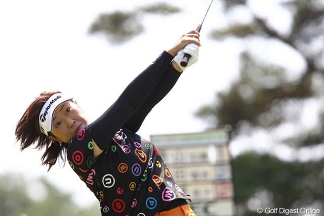 2011年 NEC軽井沢72ゴルフトーナメント 初日 福嶋晃子 過去4勝している大会で6アンダー単独首位スタートの福嶋晃子