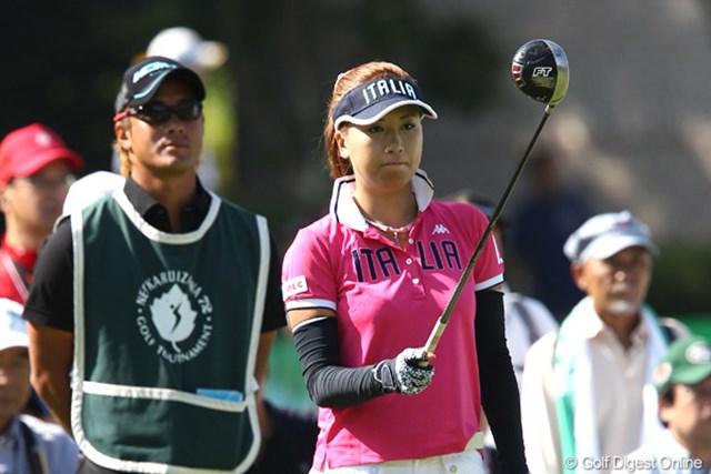 2011年 NEC軽井沢72ゴルフトーナメント 初日 辻村明須香 後半5つのバーディを奪った辻村明須香が2位タイスタート