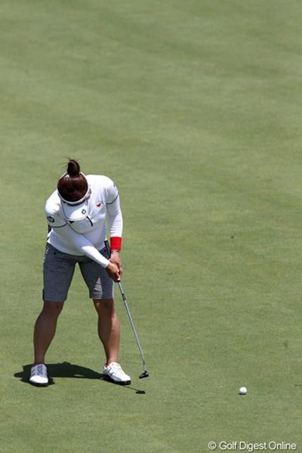 2011年 NEC軽井沢72ゴルフトーナメント 初日 有村智恵 パッティングの時、あなたの頭は動いてませんか?