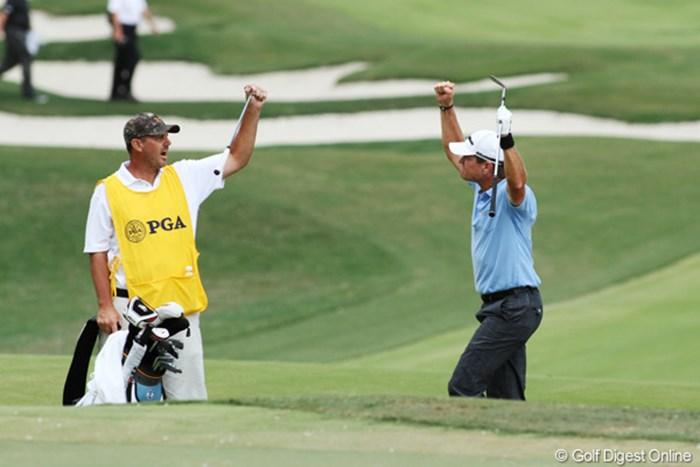 16番ホールでバンカーからチップインバーディを決め、優勝争いに加わった。4位タイでフィニッシュ 2011年 全米プロゴルフ選手権 最終日 スコット・バープランク