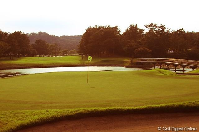 名門小野ゴルフ倶楽部で開催される関西オープン。最終18番ではどんなドラマが生まれるか