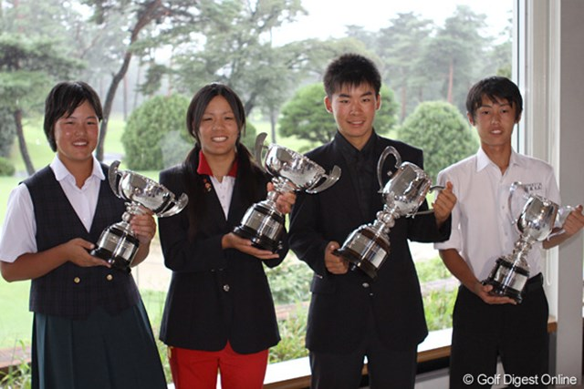 2011年 第17回日本ジュニア 佐々木、城間、川村、斉藤 日本ジュニアを制した4選手。左から、佐々木、城間、川村、斉藤
