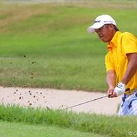 派手なパンツでラウンドする田保が2度目の大会制覇に向け7位に浮上 2011年 関西オープンゴルフ選手権競技 田保龍一