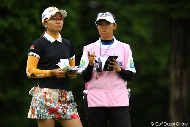 2011年 CAT Ladies 2日目 上原彩子 2試合連続予選落ちを喫していた上原彩子が躍進。首位に4打差の3位タイで最終日を迎える
