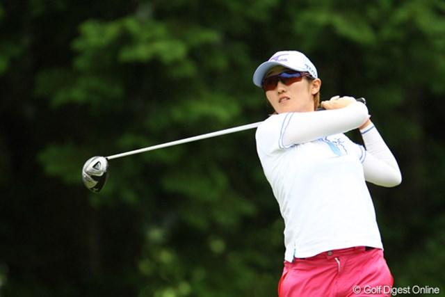 2011年 CAT Ladies 2日目 飯島茜 腰痛はどこへやら・・・。5アンダー5位タイ。