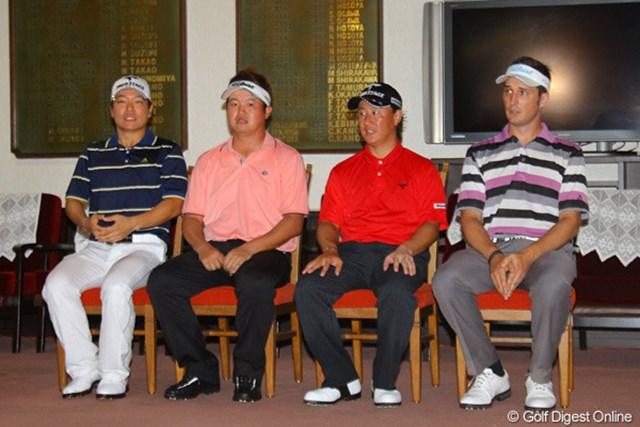 クラブハウス内での表彰式に並んだ上位4選手