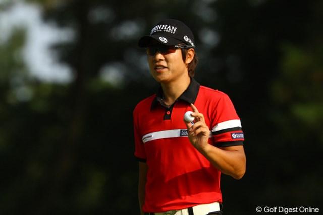 日本に戻ってきたのも昨日、でもクラブが届かず練習さえ出来ずにぶっつけ本番・・・でもそんなの関係ねぇ!!全く隙がないです。6アンダー2位タイ。