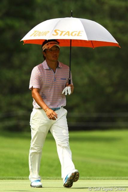最近は、男子プロでも日傘を差す選手が増えましたよねぇ。