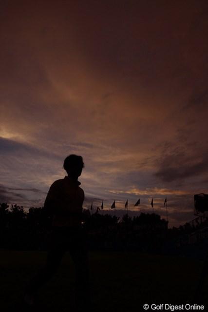 2011年 VanaH杯KBCオーガスタゴルフトーナメント 2日目 石川遼 何とかギリギリで、日没サスペンデッドになる前に、18ホールラウンドできました