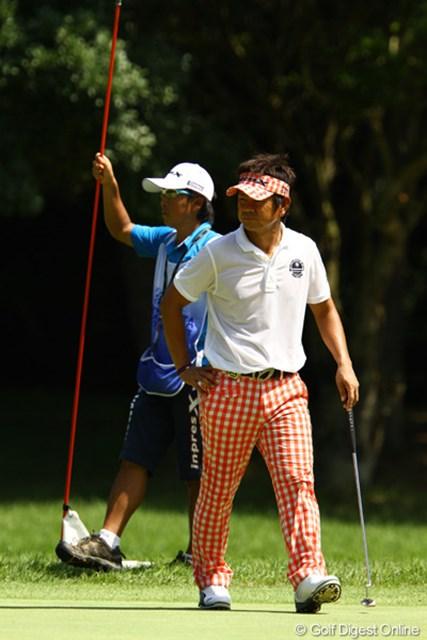 2011年 VanaH杯KBCオーガスタゴルフトーナメント 3日目 藤田寛之 チェックのバイザーとチェックのパンツが似合うなぁ。俺が着たら、イケてないパン屋さん風だろうなぁ