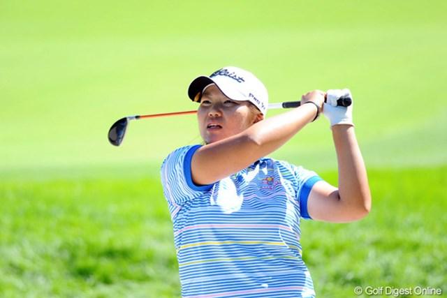 2011年 ニトリレディスゴルフトーナメント 2日目 向山唯 首位タイで最終日を迎え、ツアー初勝利に王手をかけた向山唯