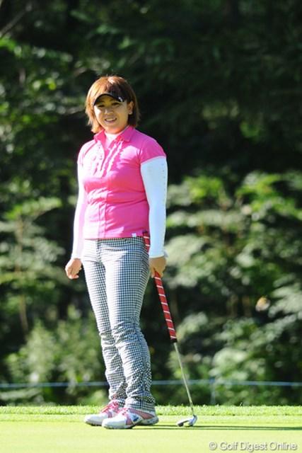 2011年 ニトリレディスゴルフトーナメント 2日目 吉田弓美子 ヤング・ボス(ゴメ~ンね!)ヨッシーが後半ノーボギー、3バーディで一気の7位タイ!明日は応援しまっせ~(心の中でやけど・・・)!