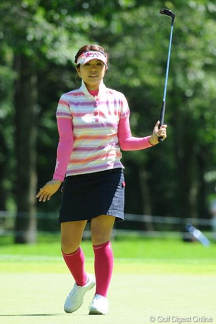 2011年 ニトリレディスゴルフトーナメント 2日目 中村香織 踏ん張ってます!ワタシと同じく神戸在住のシティー・ガールなんで、皆様ヨロシクです!20位T