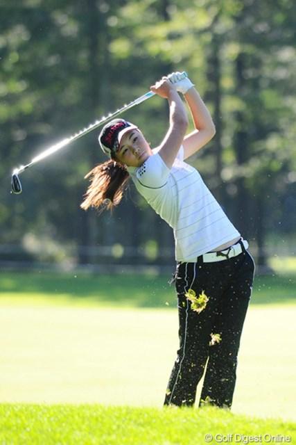 2011年 ニトリレディスゴルフトーナメント 2日目 高橋恵 いや~、15歳の中学生が堂々の予選通過&表街道!末恐ろしいとはこのことやネ!34位T