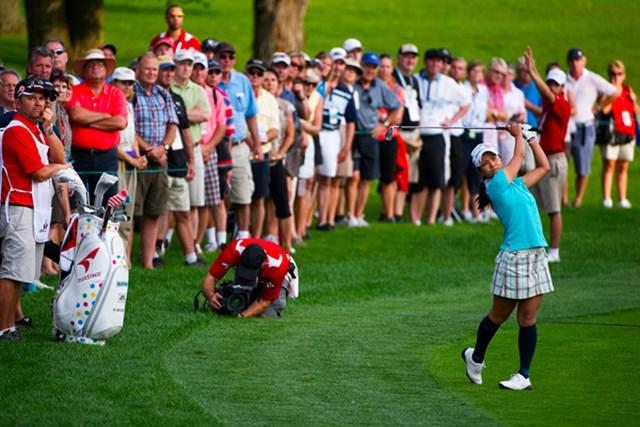 地元ファンが見つめる中、首位を守る宮里藍(Robert Laberge/Getty Images)