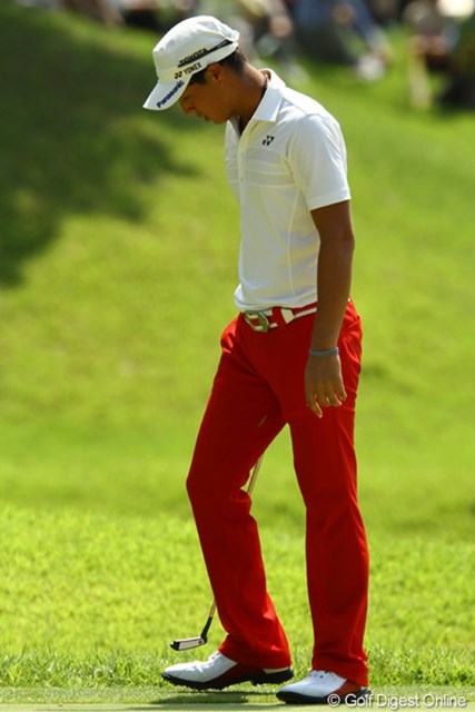2011年 VanaH杯KBCオーガスタゴルフトーナメント 最終日 石川遼 えっ?遼くん・・・右内腿・・・ズボンが・・・破れて・・・ますけど・・・