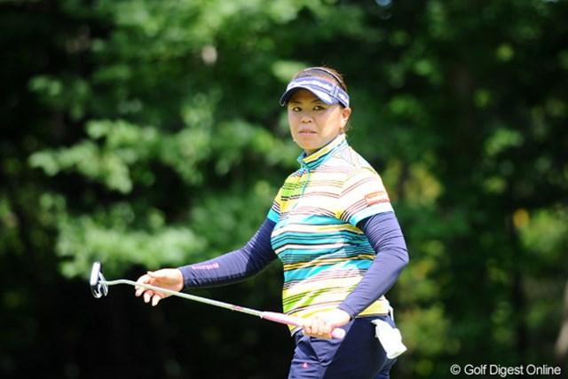 2011年 ニトリレディスゴルフトーナメント 最終日 前田久仁子 チエちゃん、イボちゃんとのペアリング。ギャラリーの動きをチエちゃんが制する場面もしばしば。残念ながら後半はお疲れモードで後退。クニちゃ~んまた今度ね~!32位T