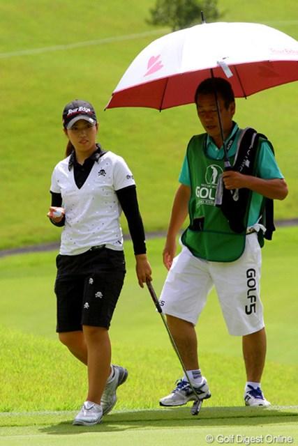 先週の初勝利で一気に注目度が高まった笠りつ子。今週も父の清也さんがバッグを担ぐ