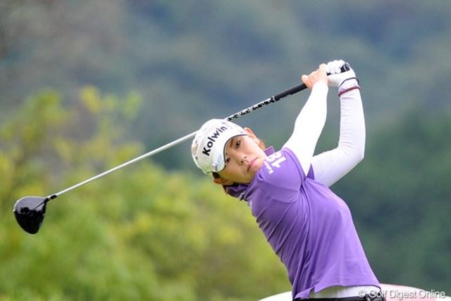 2011年 ゴルフ5レディス 初日 竹末裕美 今大会の主役の1人、ホステスプロの竹末裕美が2位タイ発進