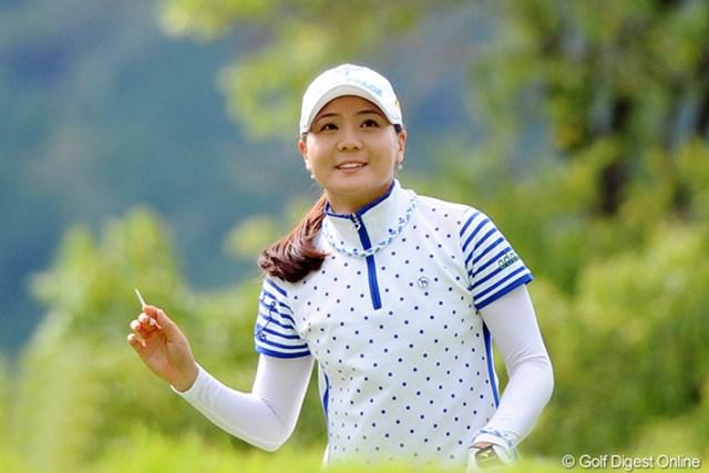 2011年 ゴルフ5レディス 初日 金ナリ スコアが良いと爽やかな笑顔になりますなァ。先週に引き続き今週も好調のようやネ!首位