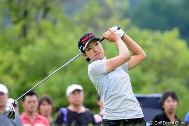 2011年 ゴルフ5レディス 初日 森田理香子  ここ最近は毎試合上位に顔を出してます。そろそろ2つ目の優勝カップが見えてきたんとちゃう?4位T
