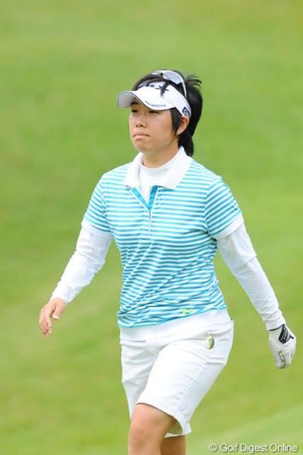 2011年 ゴルフ5レディス 初日 森桜子  ひっさしぶりに見たなァ。鳴り物入りでデビューしてはや3年。ちょっと雰囲気も変わったような気が・・・。9位T