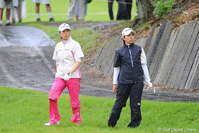 2011年 ゴルフ5レディス 最終日 イエ・リーイン、笠りつ子  雨中のダンゴレースとなった試合はもつれにもつれて、最後は2人のマッチレースとなりました。