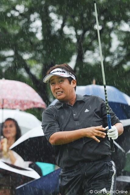 2011年 ゴルフ5レディス 最終日 表純子  終わってみれば4位タイと、強さを見せつけました。この日カッパを着てなかったのは表さんだけです!勇まし過ぎる・・・。