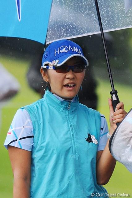 2011年 ゴルフ5レディス 最終日 藤田幸希  あり得ないボールの位置に、「え、なに!なにこれ!ウソでしょ!」「いえ、ホンマです」。7位T