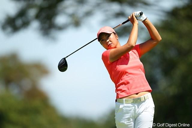 2011年 日本女子プロゴルフ選手権大会コニカミノルタ杯 初日 三塚優子 ラフを恐れず、ドライバーで飛距離のアドバンテージを活かした三塚優子