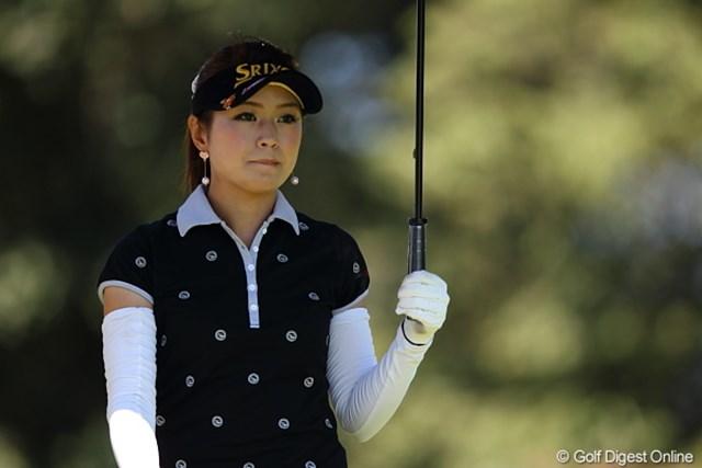 2011年 日本女子プロゴルフ選手権大会コニカミノルタ杯 初日 坂乃下侑子 今日は日傘が必須アイテム…それにしてもシットリとした美人さん/坂乃下プロ
