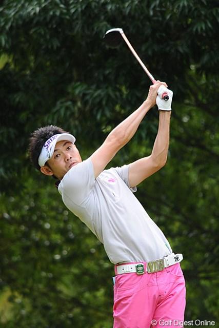 2011年 TOSHIN GOLF TOURNAMENT IN LakeWood 初日 諸藤将次 先週のチャンプ。前半のダボで出遅れたけど、最終ホールのイーグルでアンダーフィニッシュの激しいゴルフで38位タイ。
