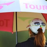 なんか後ろにも顔があるみたい。 2011年 日本女子プロゴルフ選手権大会コニカミノルタ杯 2日目 宅島美香
