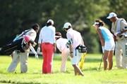 2011年 日本女子プロゴルフ選手権大会コニカミノルタ杯 3日目 ボールを捜索