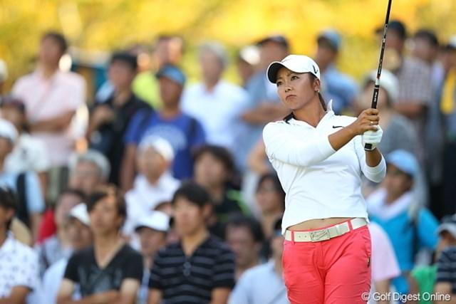 2011年 日本女子プロゴルフ選手権大会コニカミノルタ杯 3日目 三塚優子 2日目に「100点!」と笑顔を見せたドライバーも、この日は「0点」と憮然・・・