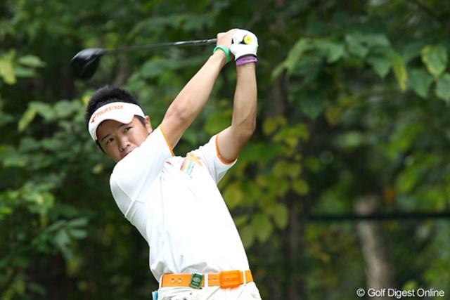 2011年 ANAオープンゴルフトーナメント 2日目 伊藤誠道 アマチュアとしてトーナメントをリードする伊藤誠道。2日続けてノーボギーのラウンドだ。