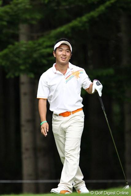 2011年 ANAオープンゴルフトーナメント 2日目 伊藤誠道 ショットも良く笑顔もこぼれる高校1年生