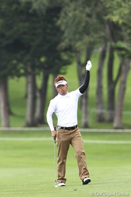 2011年 ANAオープンゴルフトーナメント 2日目 松村道央 トップと1打差の8アンダー「ハイ、打ちま~す」