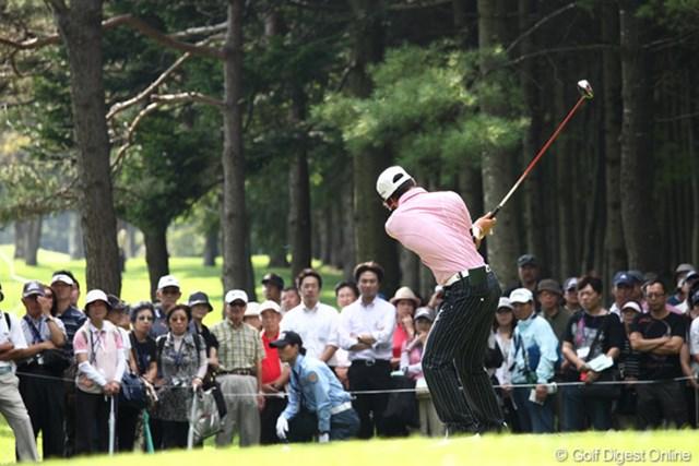 2011年 ANAオープンゴルフトーナメント 2日目 石川遼 常にスイングチェックする遼くん