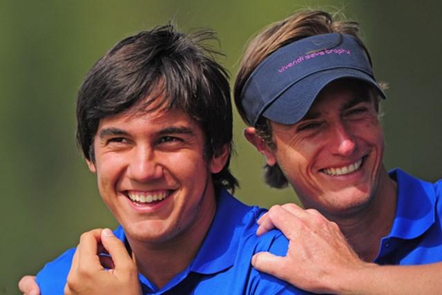 大陸選抜が猛追! 勝利したM.マナッセロ&N.コルサーツの表情も明るい(Stuart Franklin /Getty Images)
