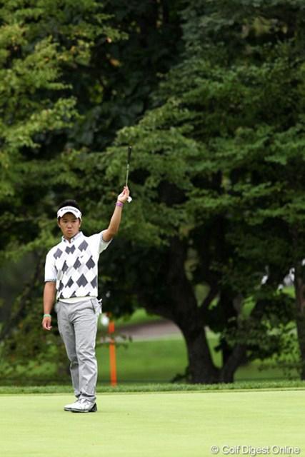 2011年 ANAオープンゴルフトーナメント 3日目 伊藤誠道 16番でロングパットを入れてバーディ、すごい!