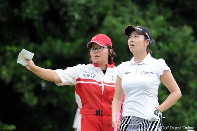 キャディさんが、韓国人男子プロのハン・ジュンゴンにあまりにもソックリでファニーだったので、思わずUPです~。